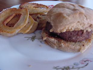 hamburgerandonionringssm.JPG