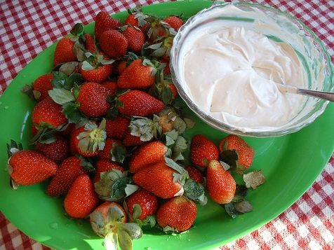strawberry_dip_2
