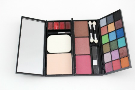 L'BRI Holiday Compact Makeup Case - Perfect For The Holidays!