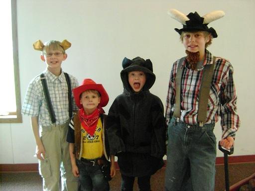 boys_costumes